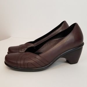 Dansko brown high heel dress shoes size 38/8
